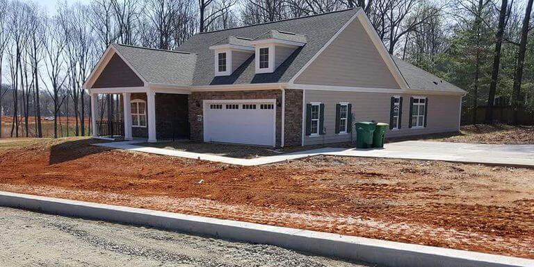 you-had-one-job-house-garage-driveway-fail-58af1ab15f9b5860462cf9d7-61385.jpg
