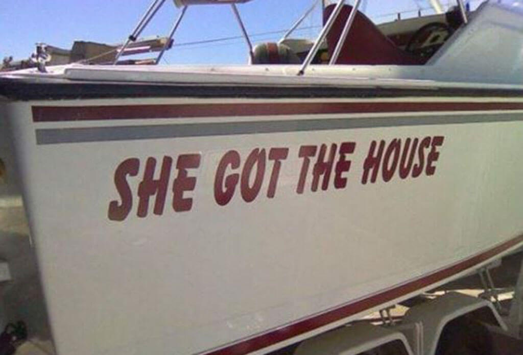 She Got The House Boat
