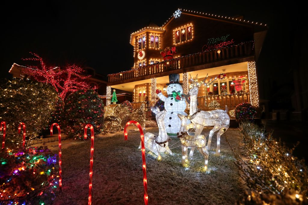 Bah-Humbug Is The Name Of The Holiday Light Game