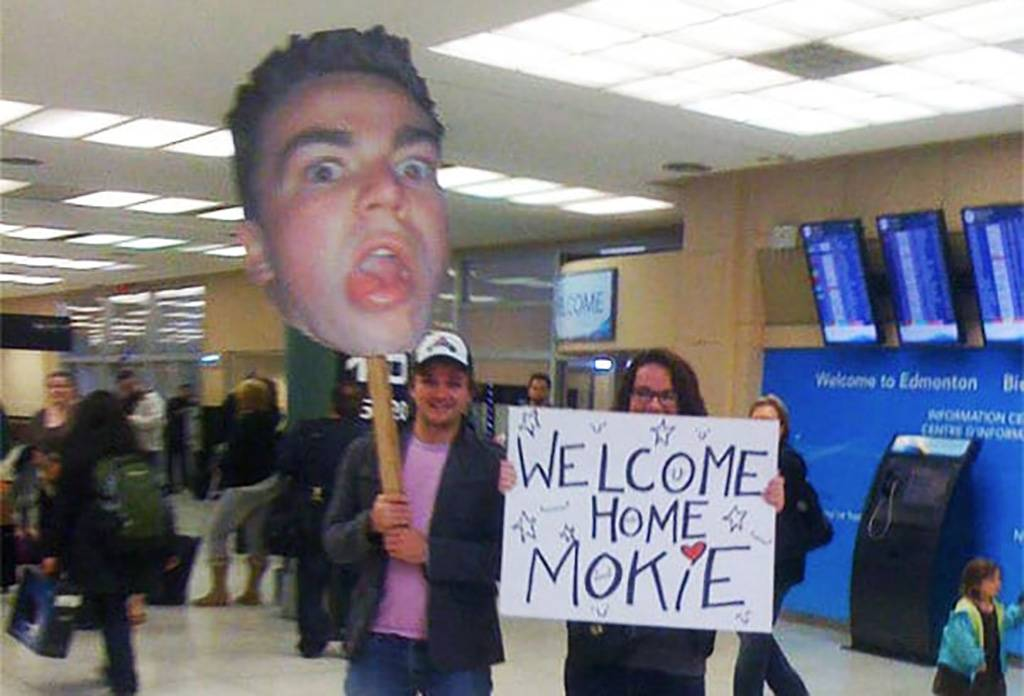 Another Funny Welcome Home Airport Sign