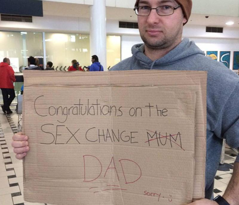 Funny mom or dad airport sign